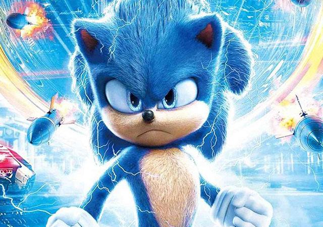 Sonic parado em cena do filme