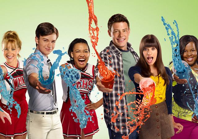 personagens de glee jogando raspadinha