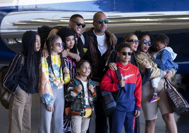 Família de #blackAF posa para foto