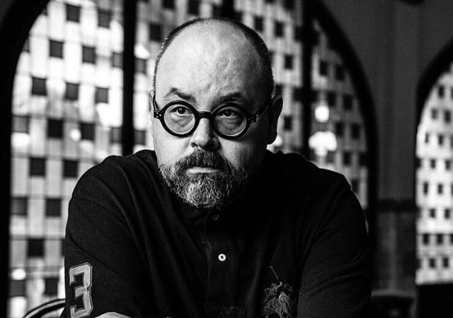 Foto de Carlos Ruiz Záfon em preto e branco
