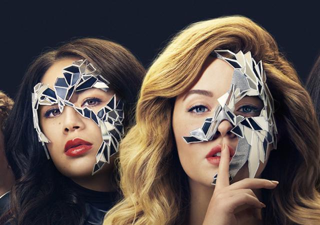 elenco de the perfectionists em uma imagem promocional da série derivada de pretty little liars
