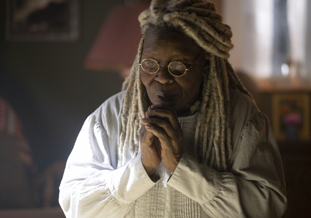 Whoopi Goldberg em The Stand como Mother Abigail