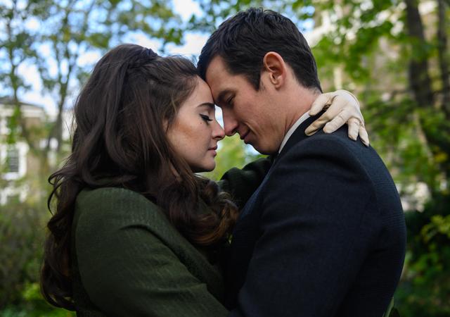 Imagem do filme The Last Letter from Your Lover, um dos filmes de romance da Netflix para 2021