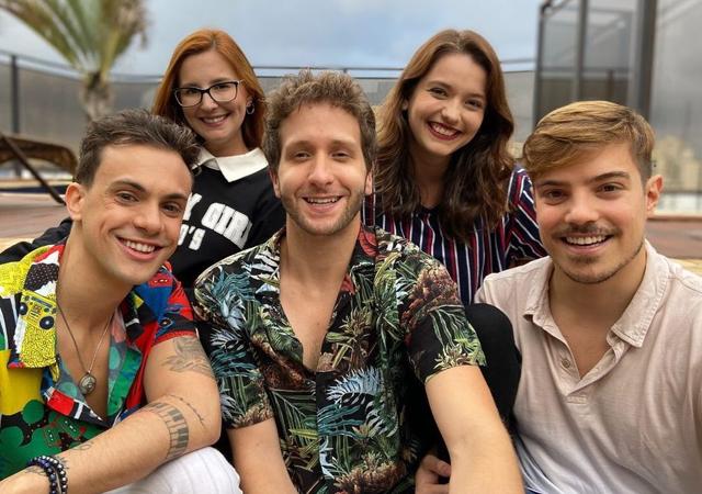 elenco da série brasileira julie e os fantasmas